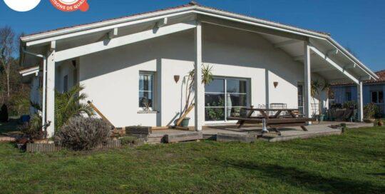 Maison à Saint-Julien-en-Born